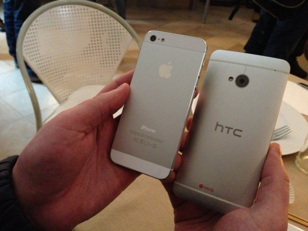 HTC One vs iPhone 5 01