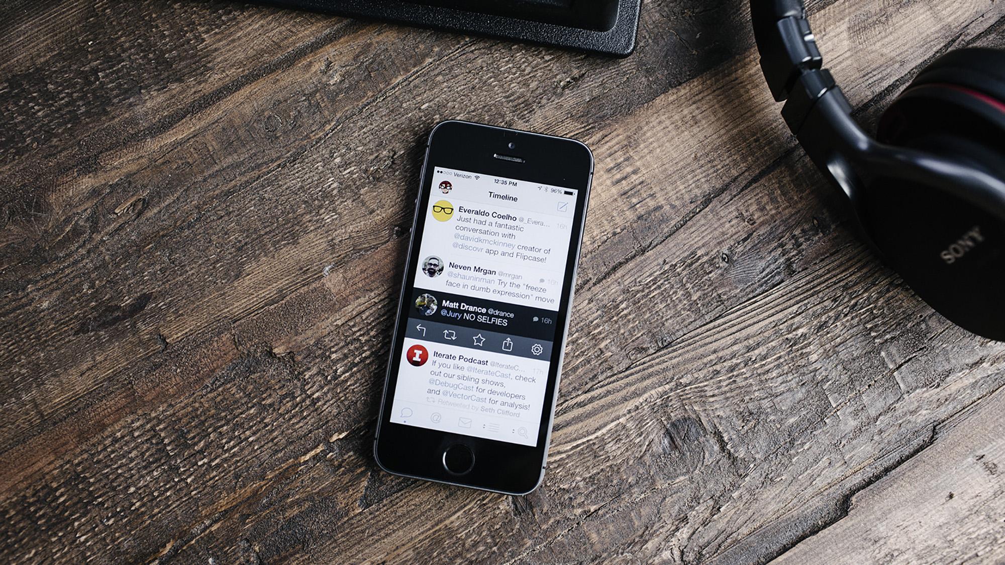Tweetbot 3 iPhone hero