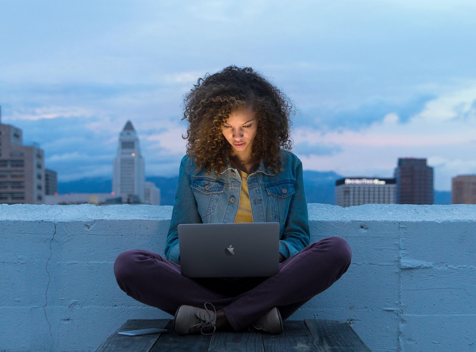 MacBook-Air-12-8-v2