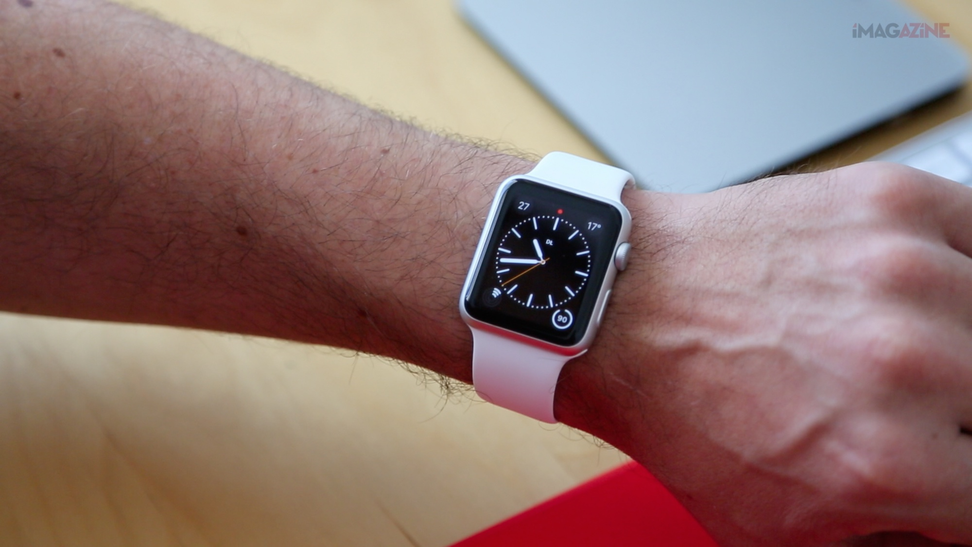 Recenzja Apple Watch Dominik hero