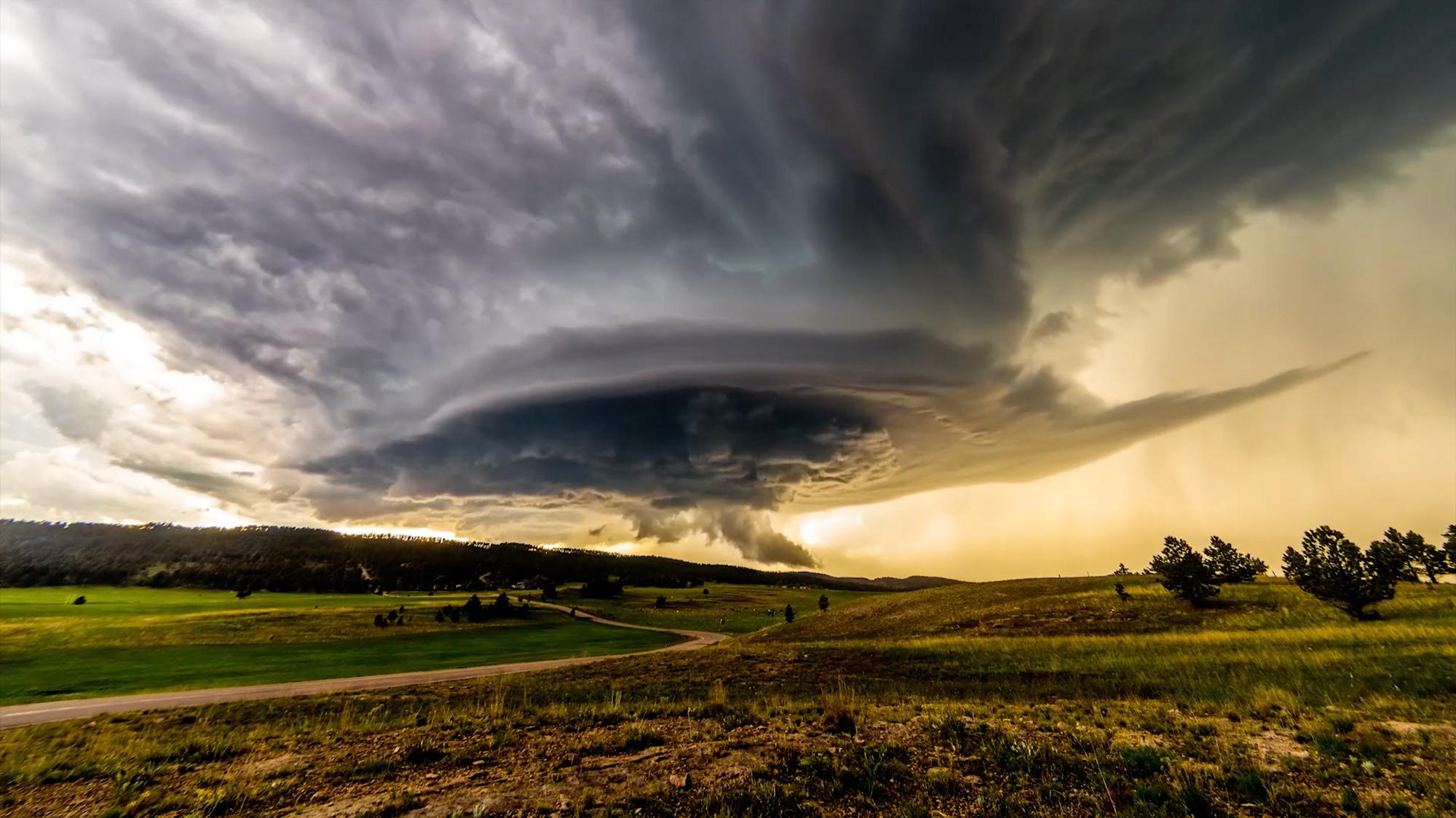 Ekstremalne-zjawiska-pogodowe-timelapse-hero