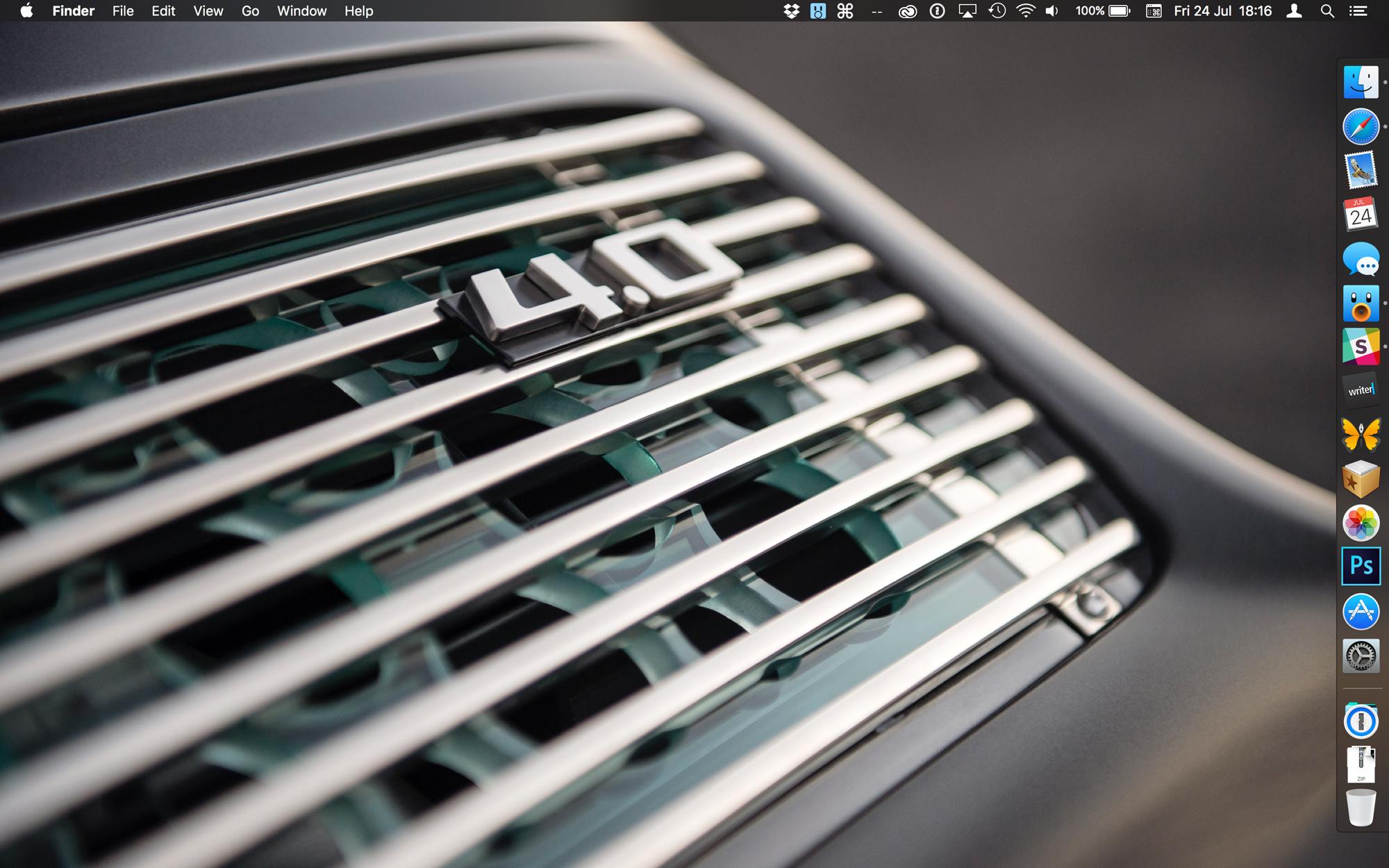 OS-X-El-Capitan-Desktop-Dark-mode-hero